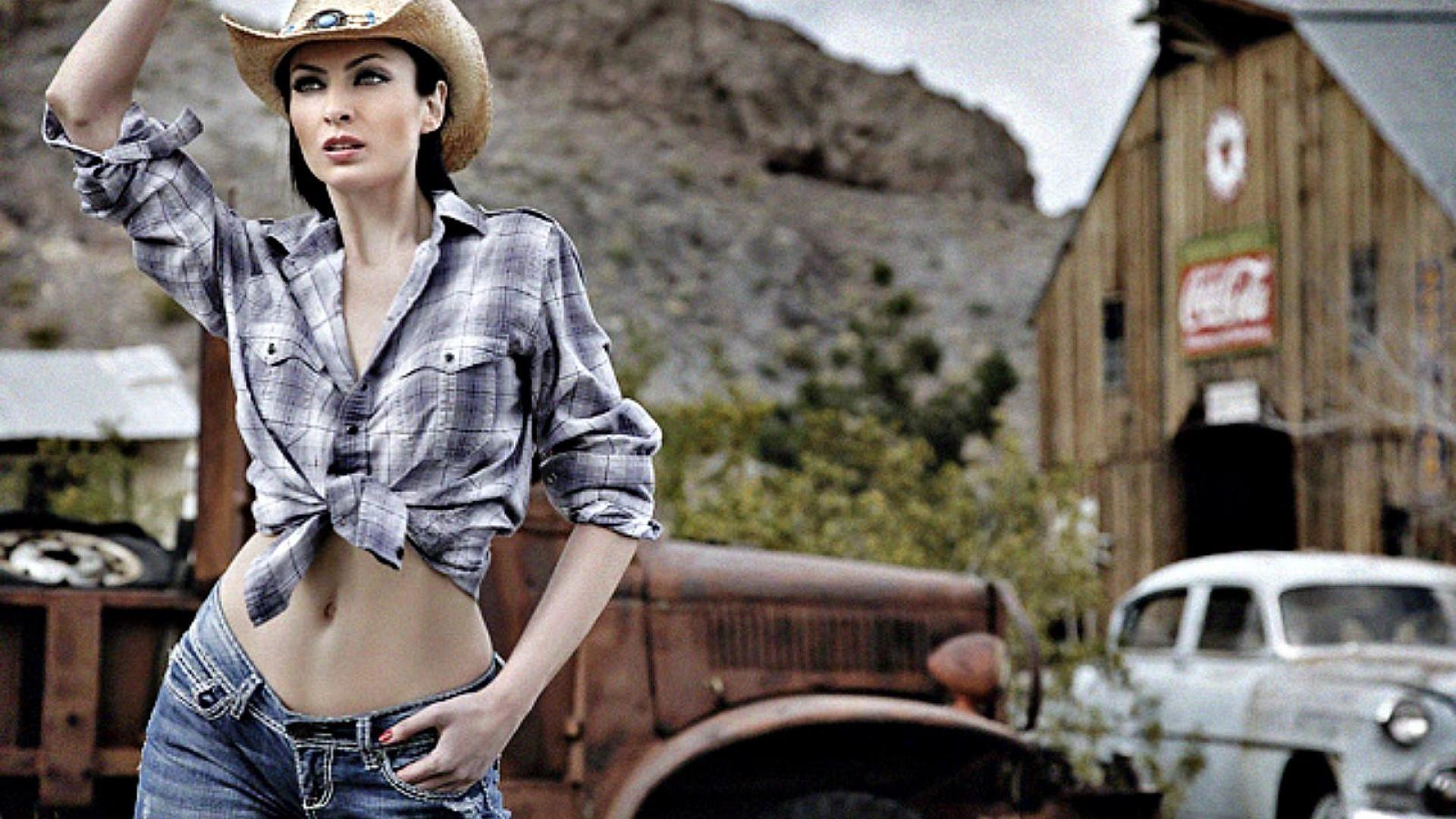 Country Girl Full HD Wallpaper