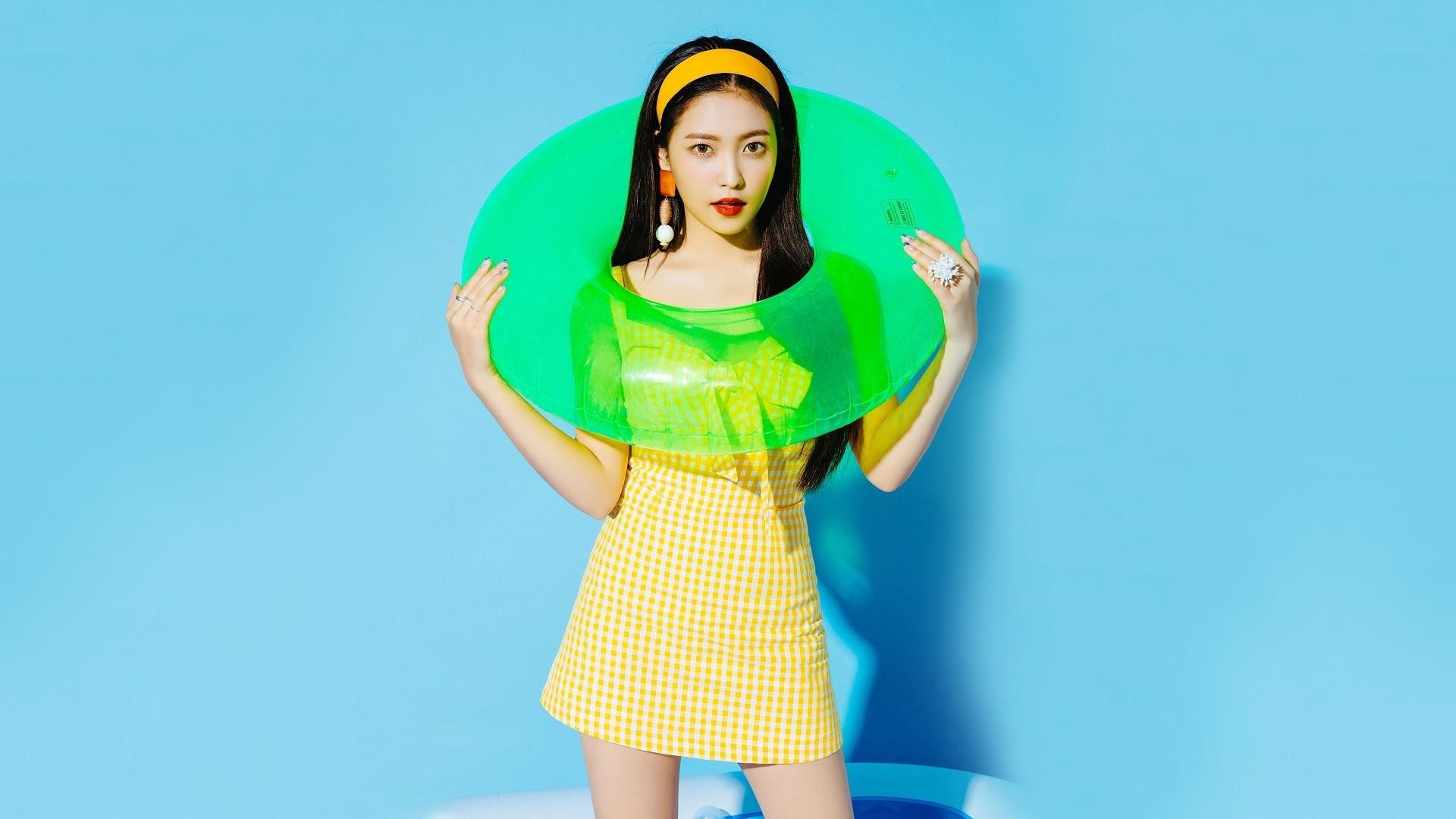 Red Velvet Image