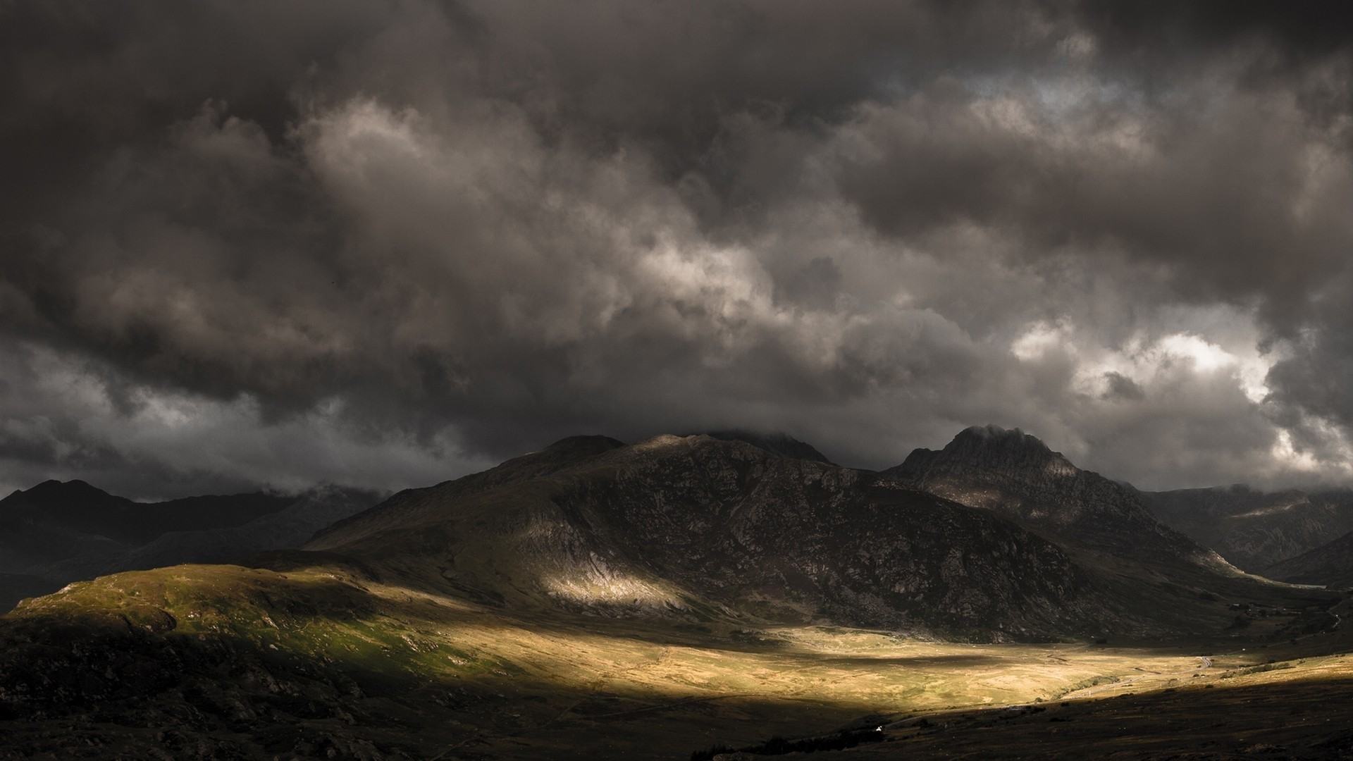 Dark Mountain Free Wallpaper