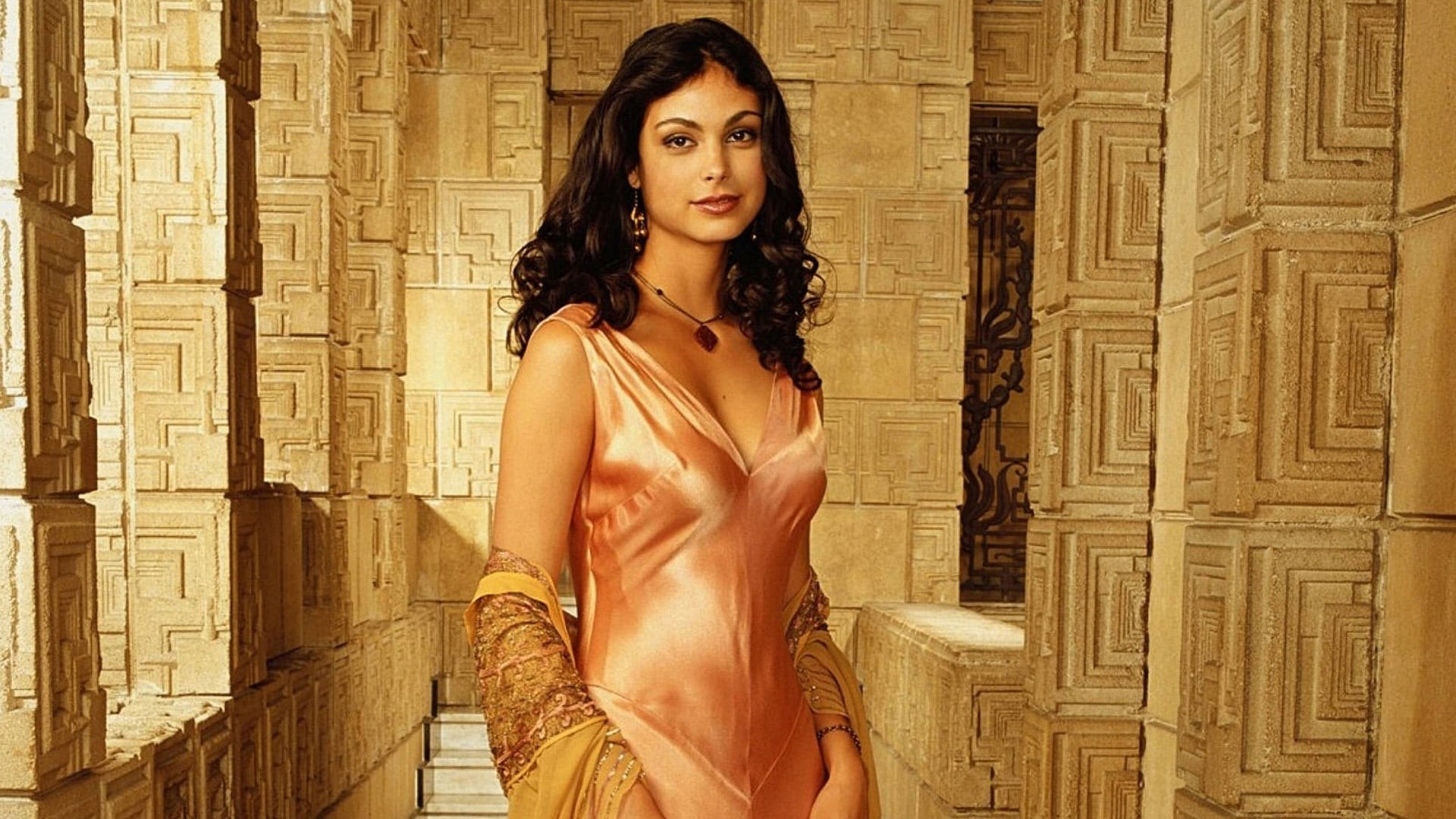 Morena Baccarin Free Wallpaper and Background