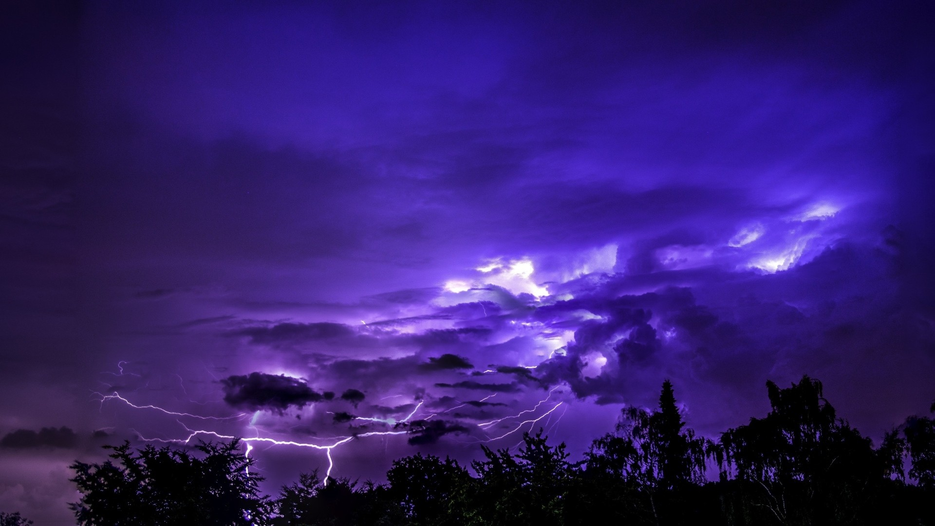 Purple Sky Background Wallpaper