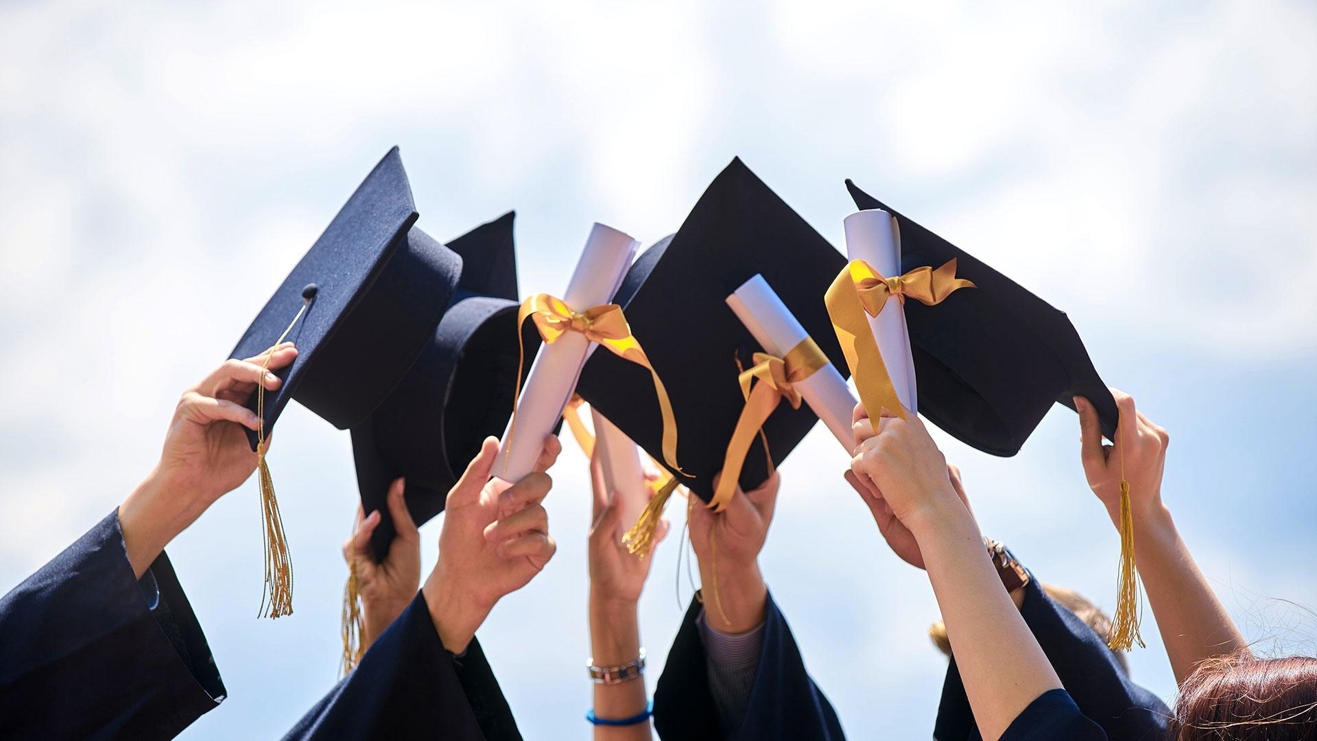 Graduation HD Download