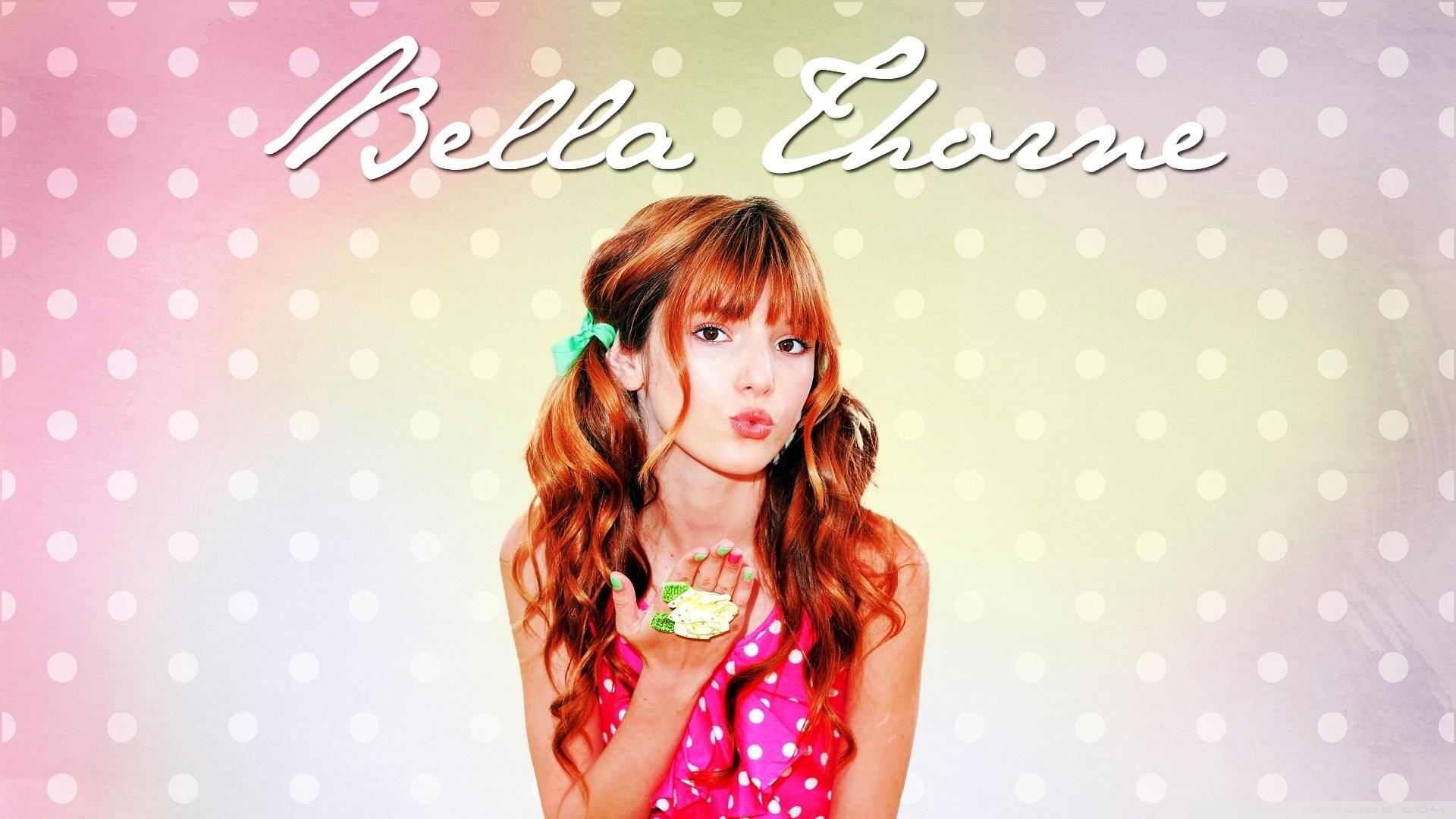 Bella Thorne Download Wallpaper