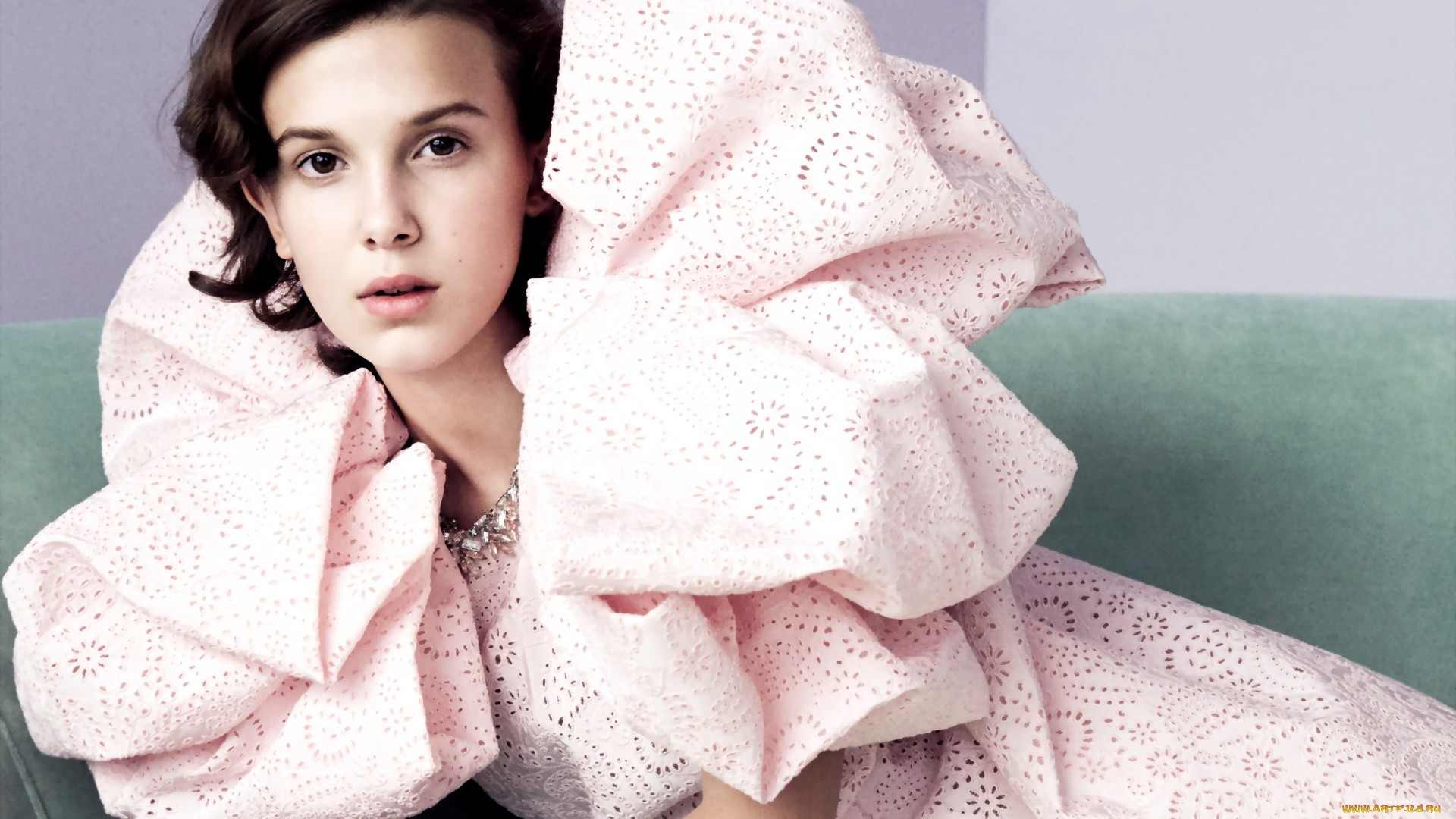 Millie Bobby Brown a wallpaper