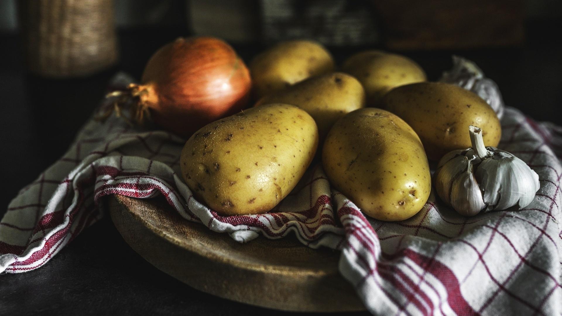 Potatoes Background