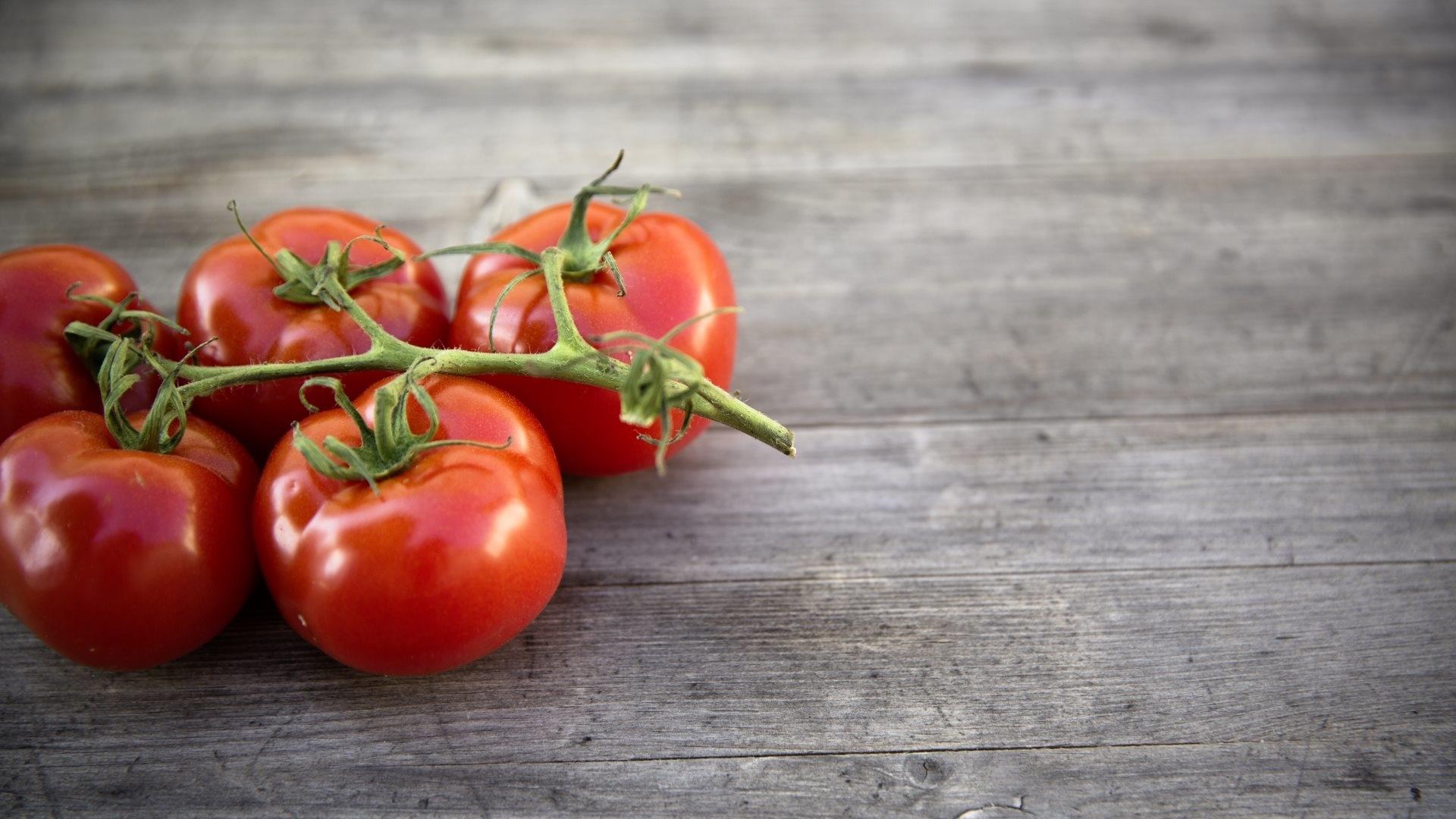 Tomatoes Desktop Wallpaper