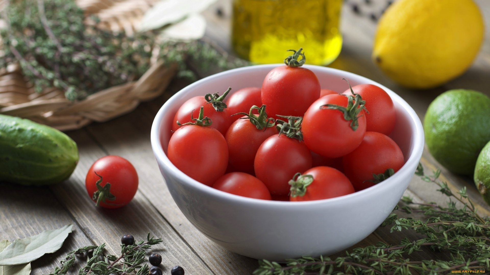 Tomatoes Full HD Wallpaper