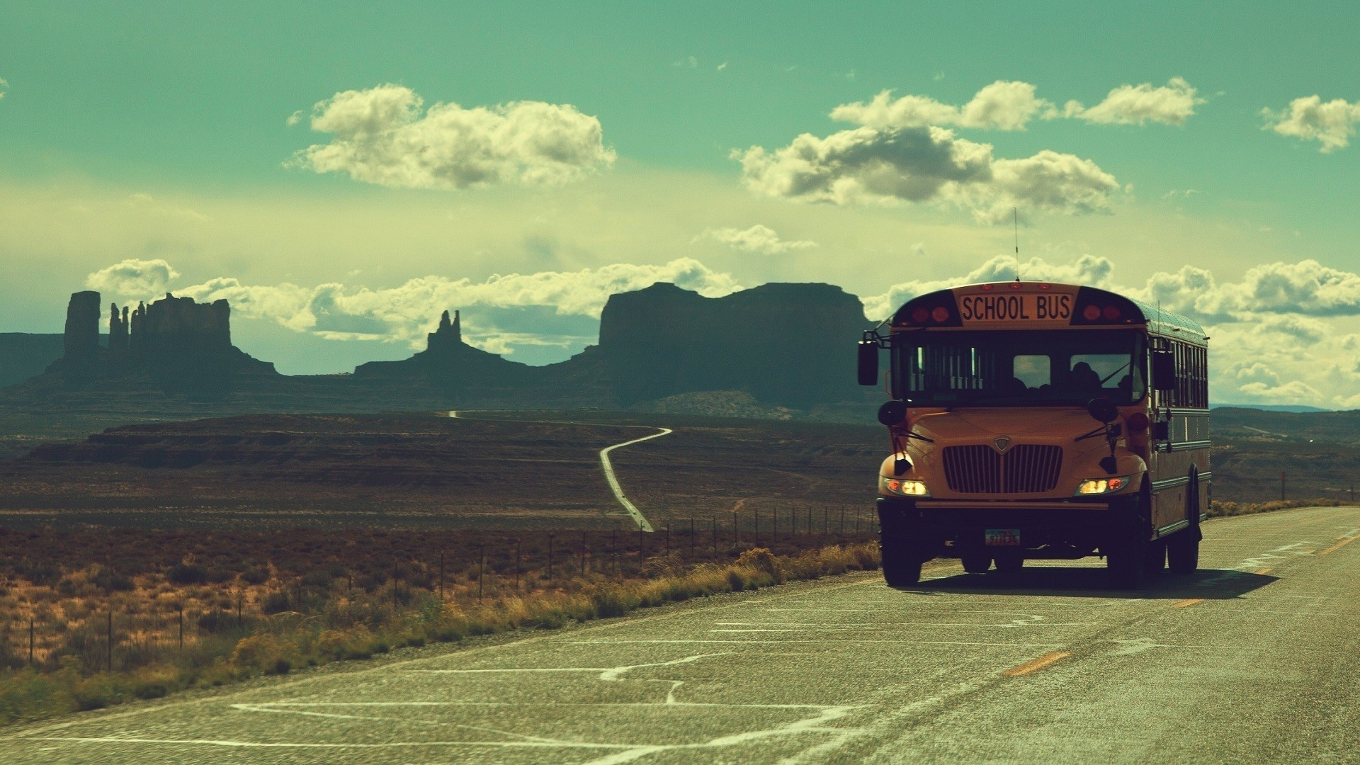 Old Bus Wallpaper