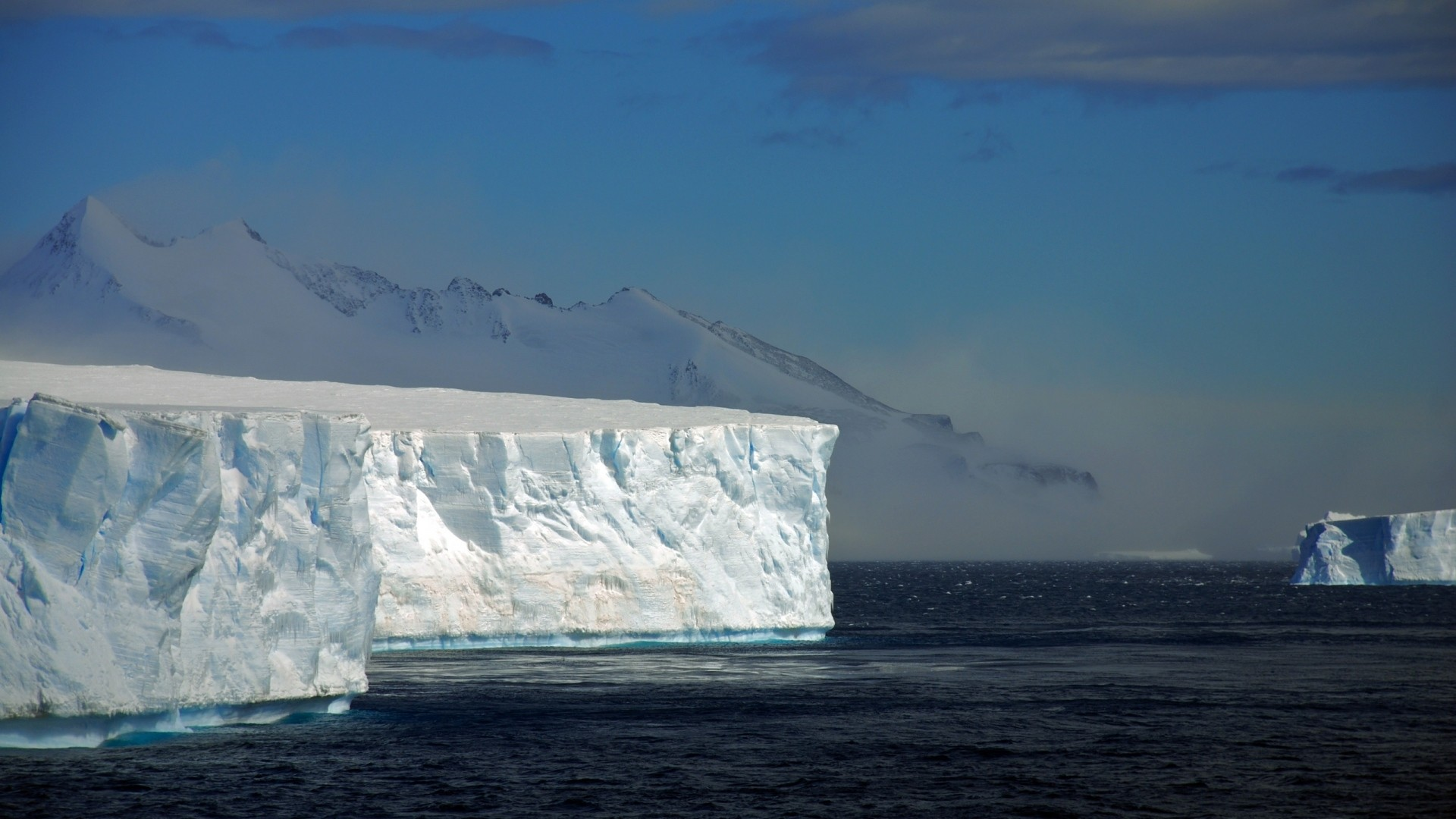 Iceberg Free Wallpaper
