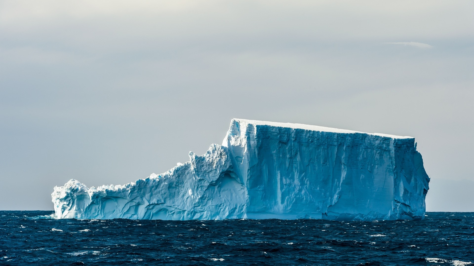 Iceberg hd desktop wallpaper