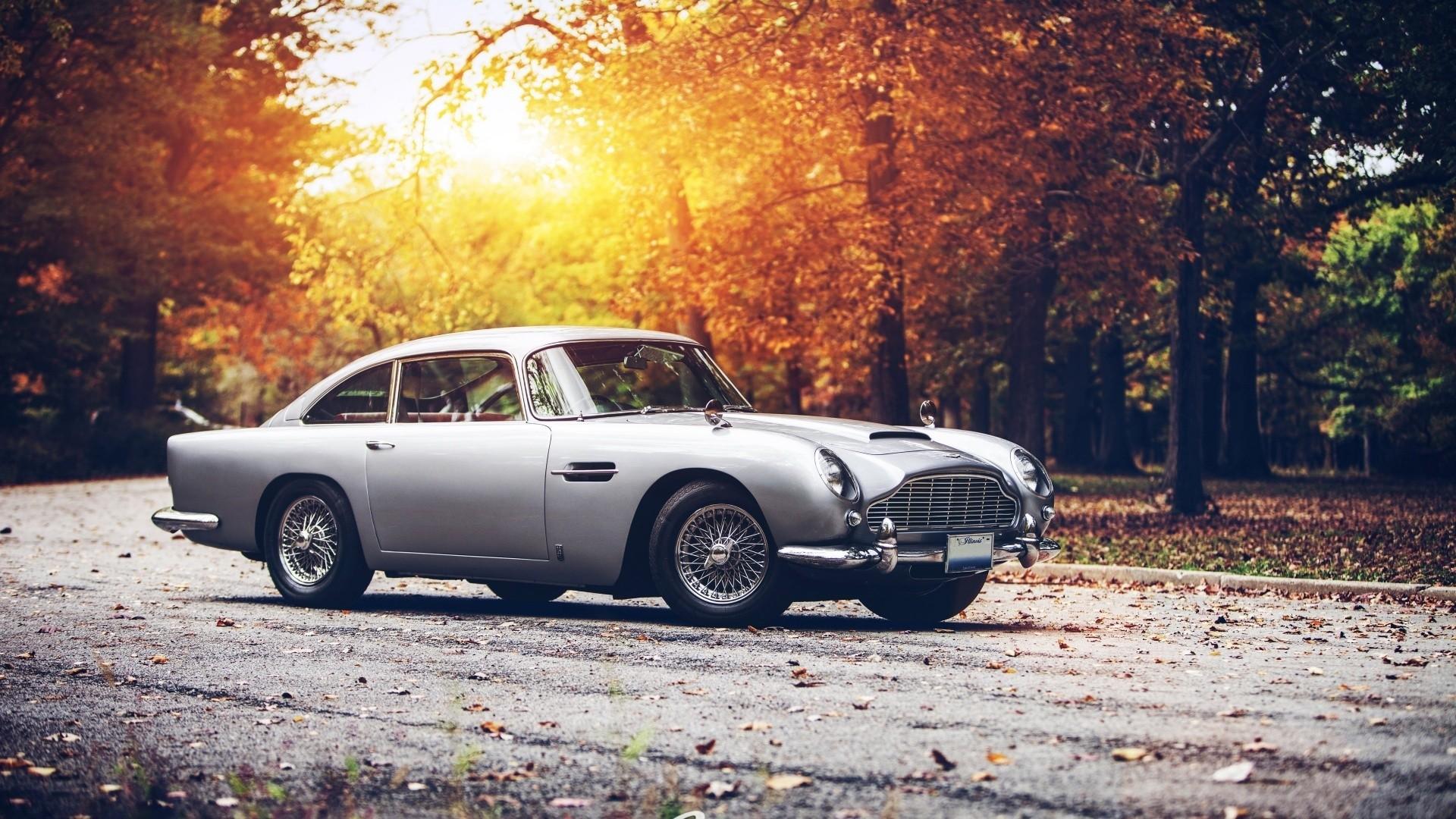 Classic Car a wallpaper