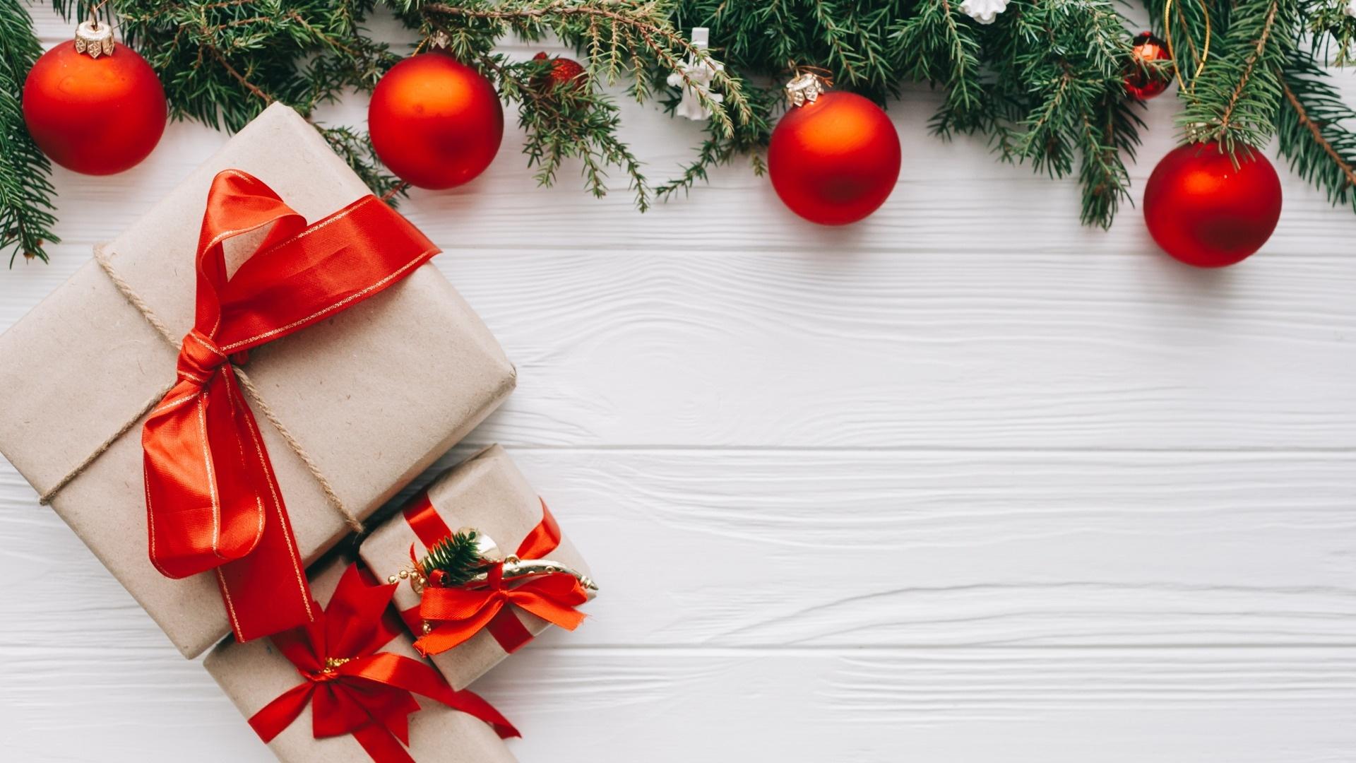 Christmas White Wallpaper