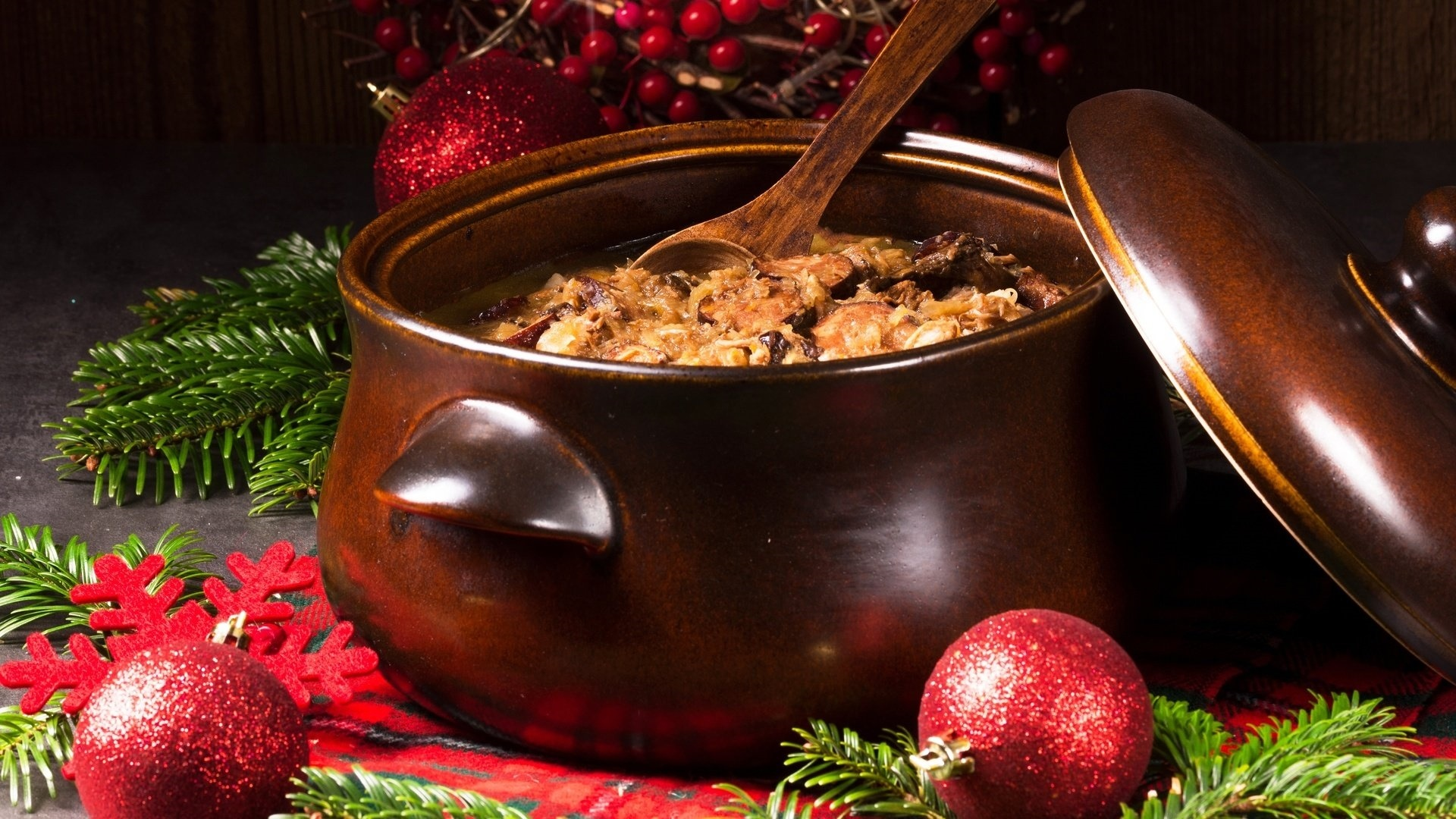 Christmas Dishes Picture