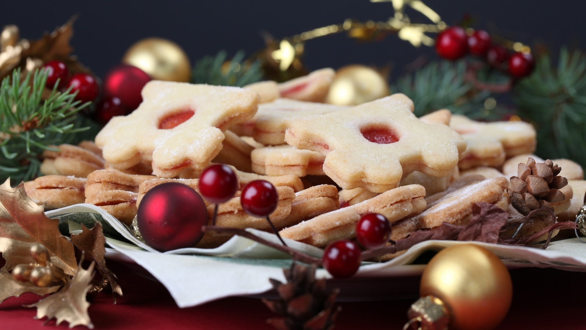 Christmas Dishes Wallpaper