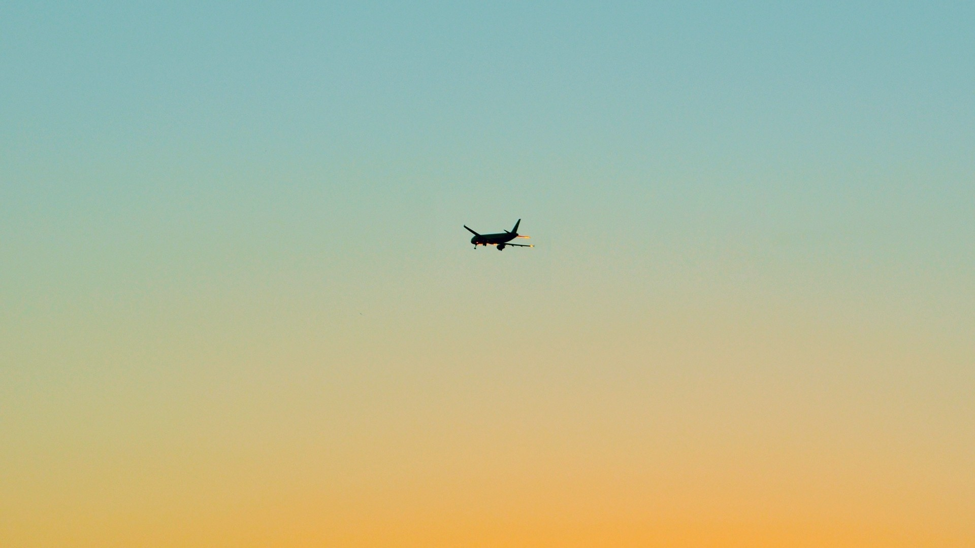 Airplane Minimalist wallpaper for desktop