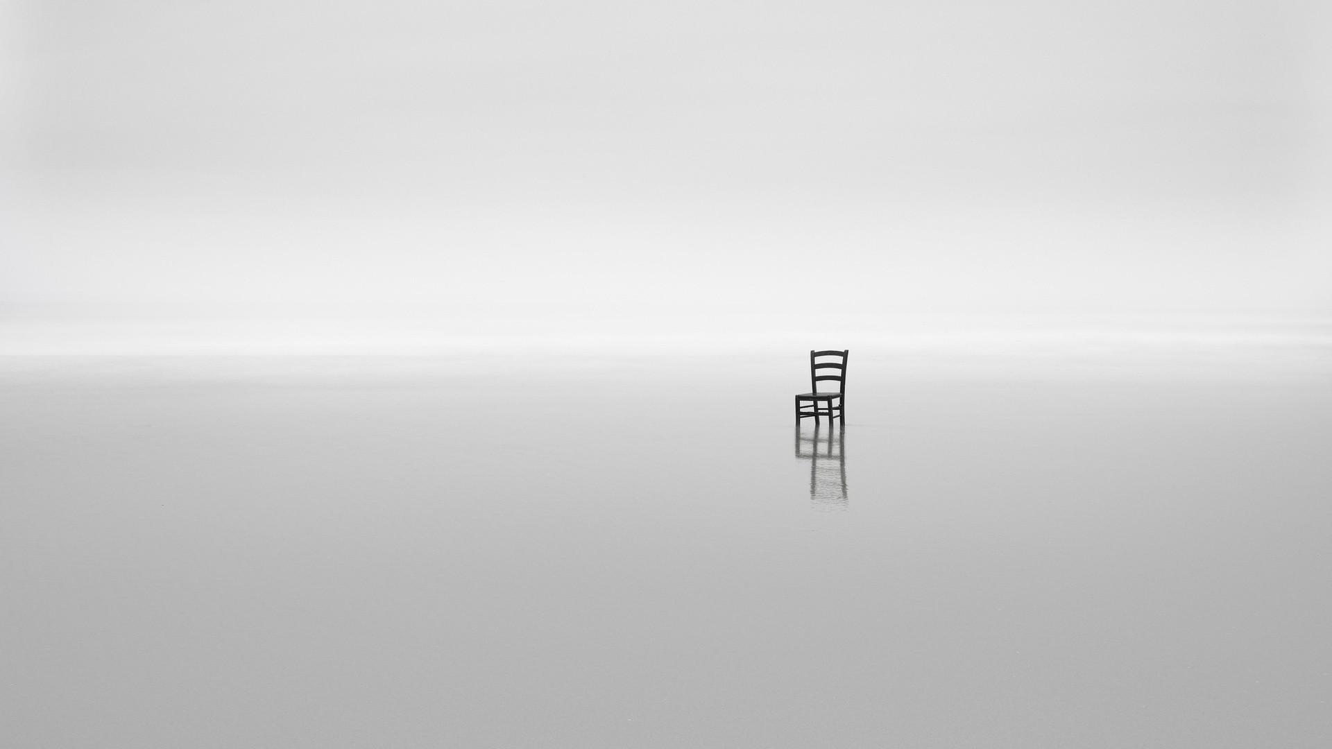 White Minimalist Picture
