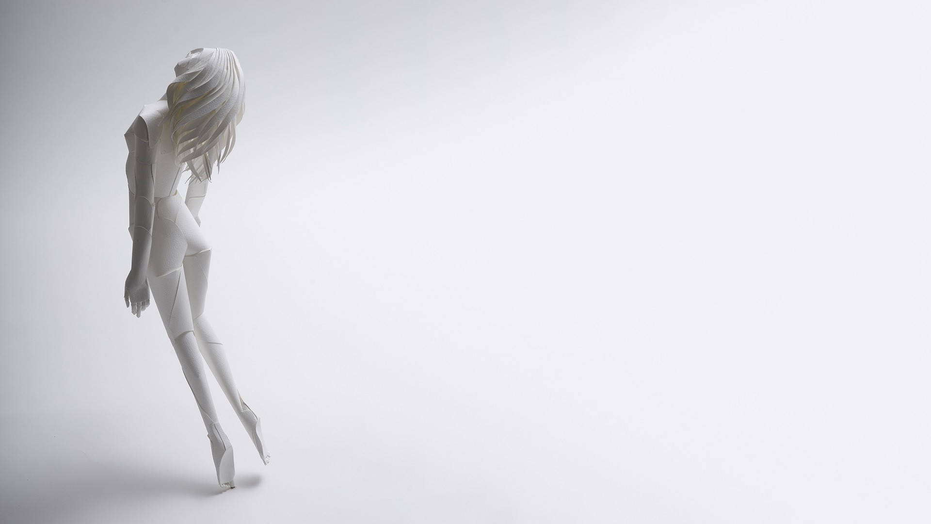 White Minimalist Desktop Wallpaper