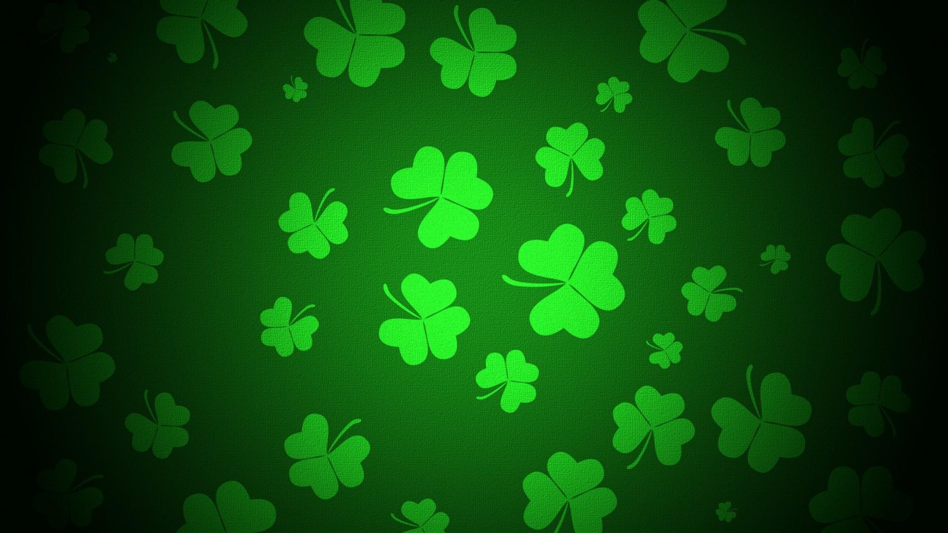 Green Clover Wallpaper