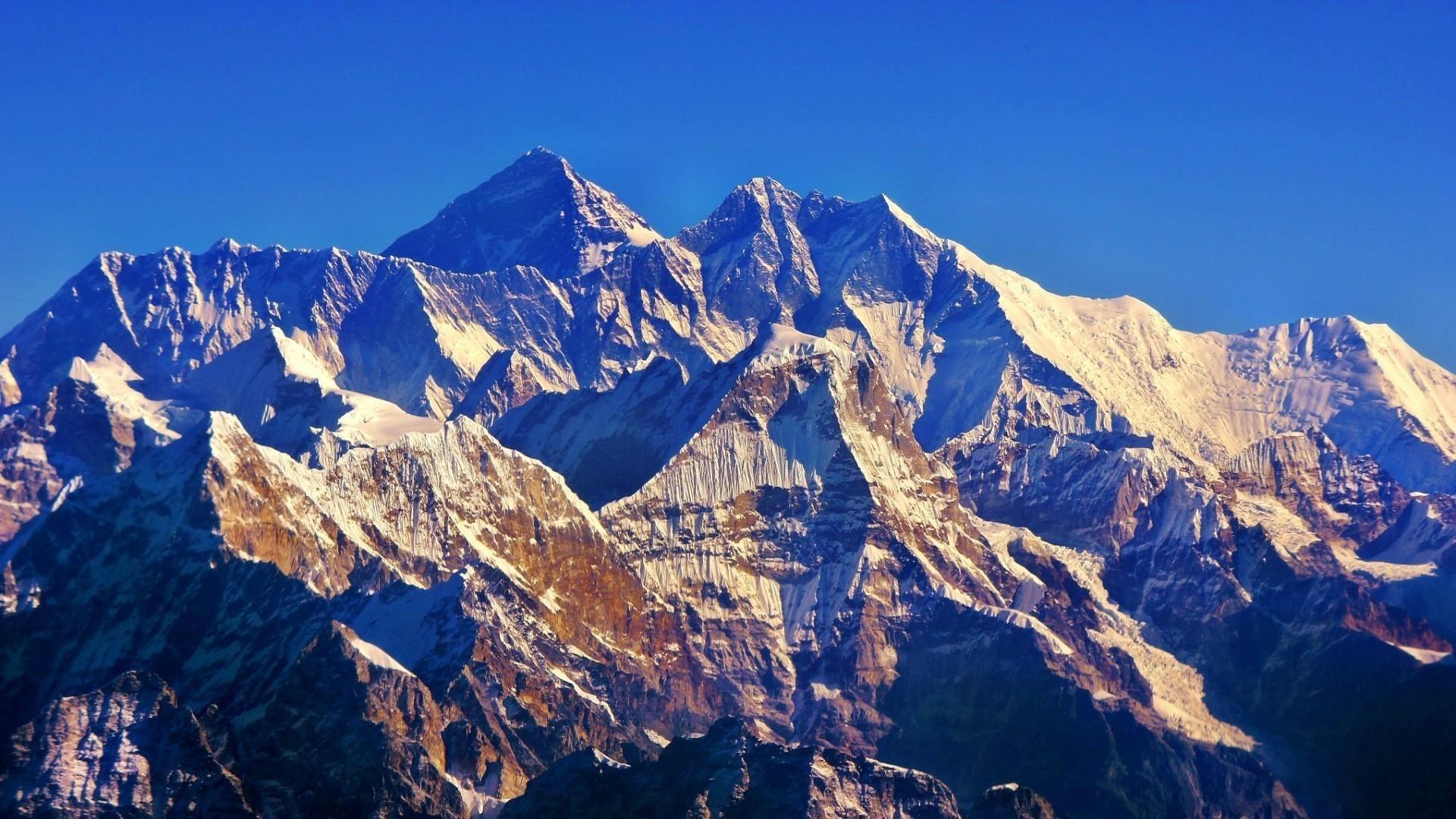 Everest HD Wallpaper
