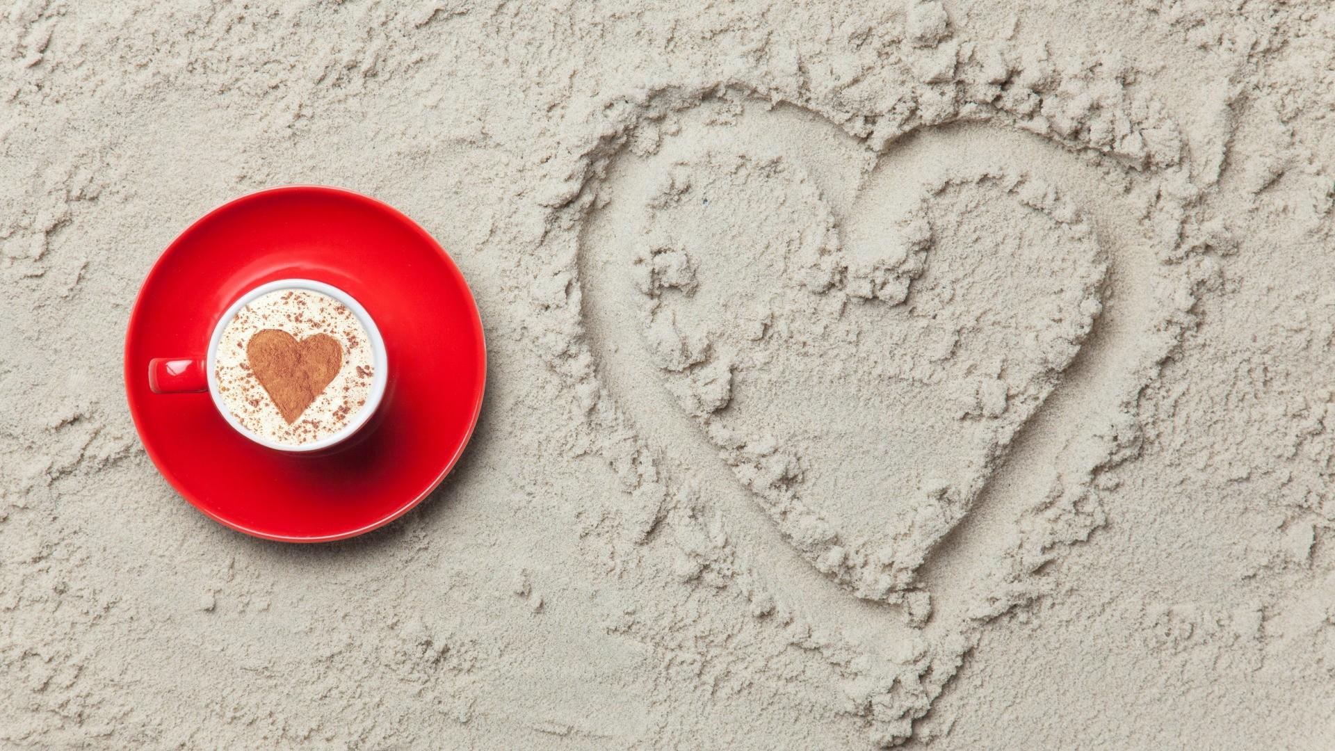 Sand Love Desktop Wallpaper