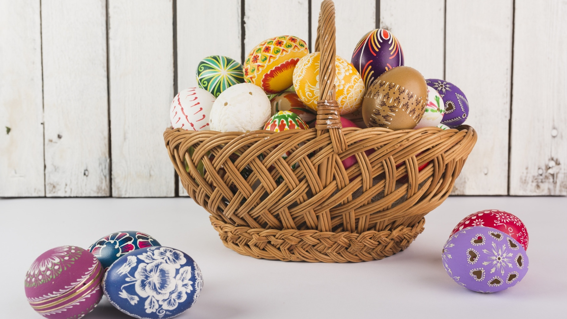 Easter Eggs In A Basket Pic