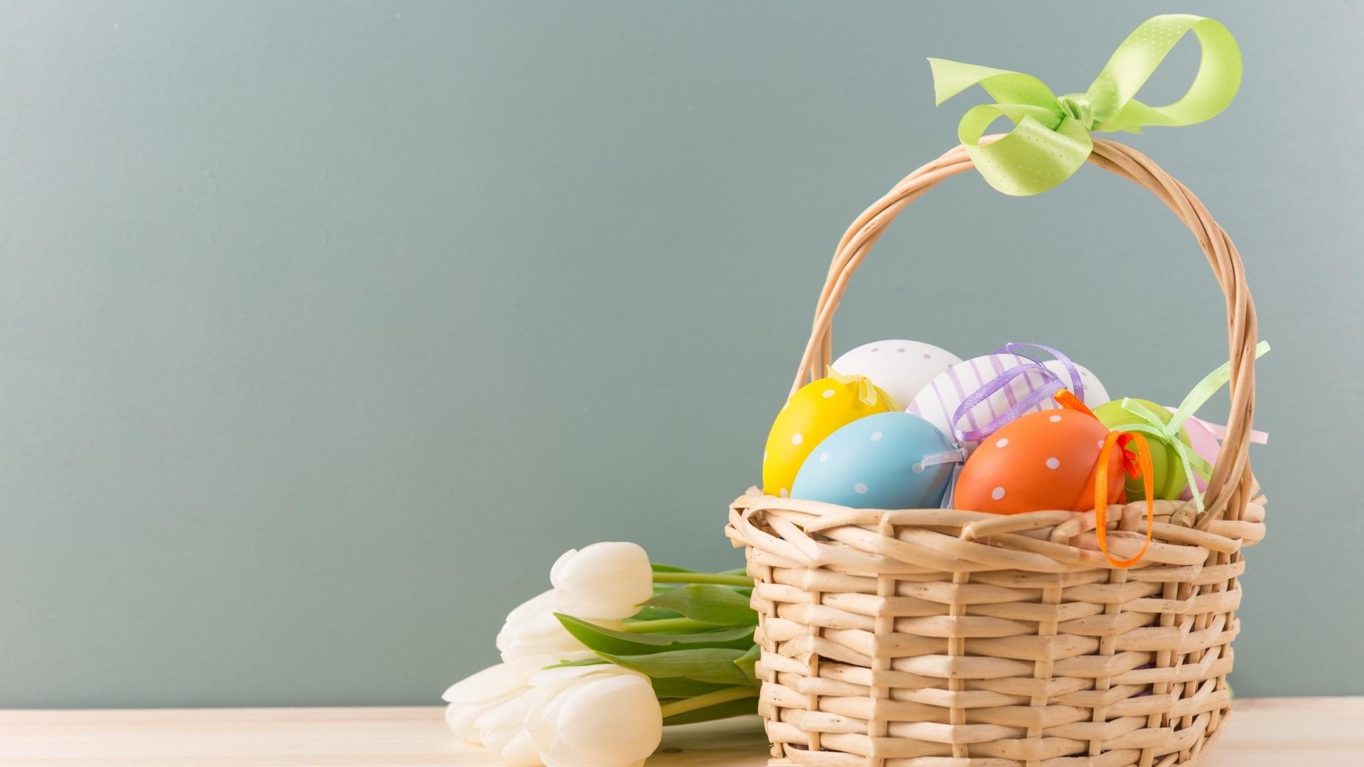 Easter Eggs In A Basket Desktop Wallpaper