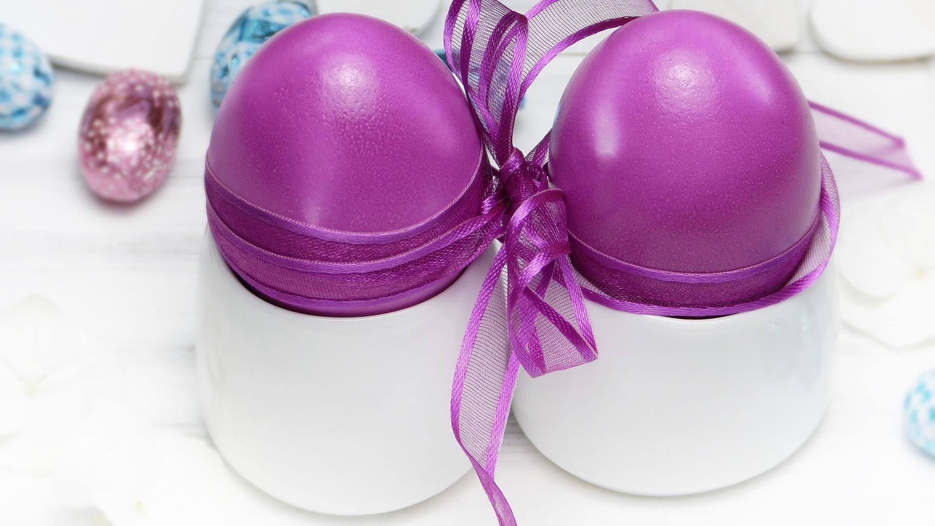 Easter Eggs With Ribbon wallpaper for desktop