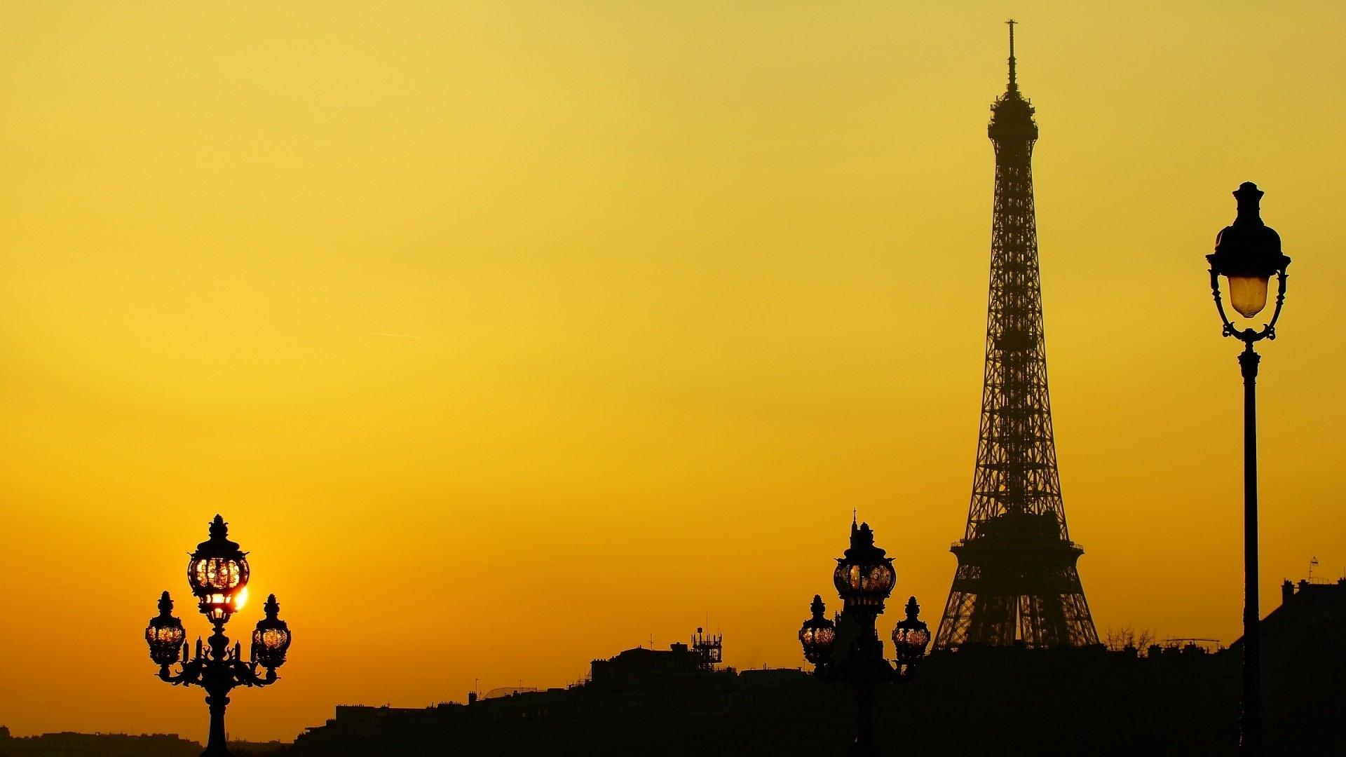 Eiffel Tower Art Desktop Wallpaper