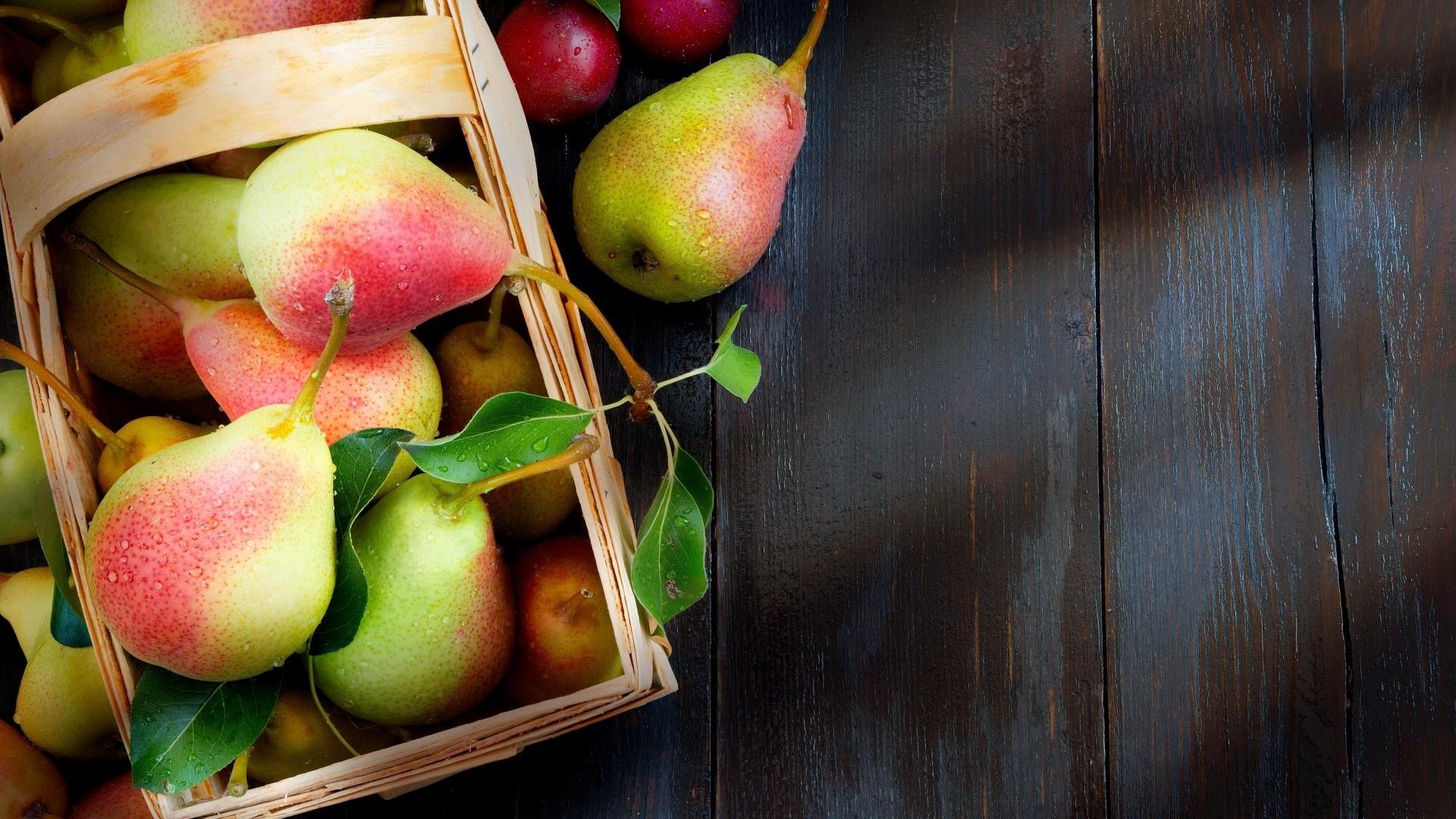 Pear Desktop Wallpaper