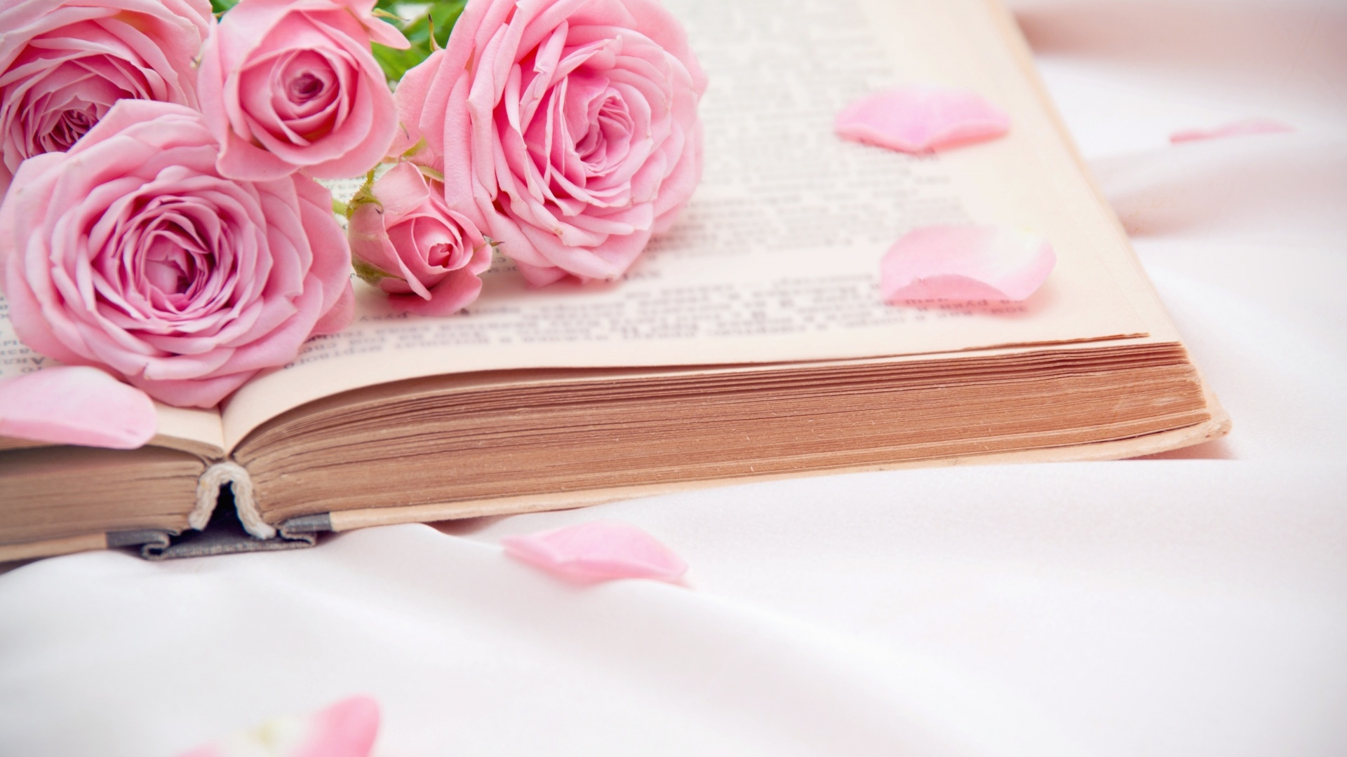 Book And Flower computer wallpaper
