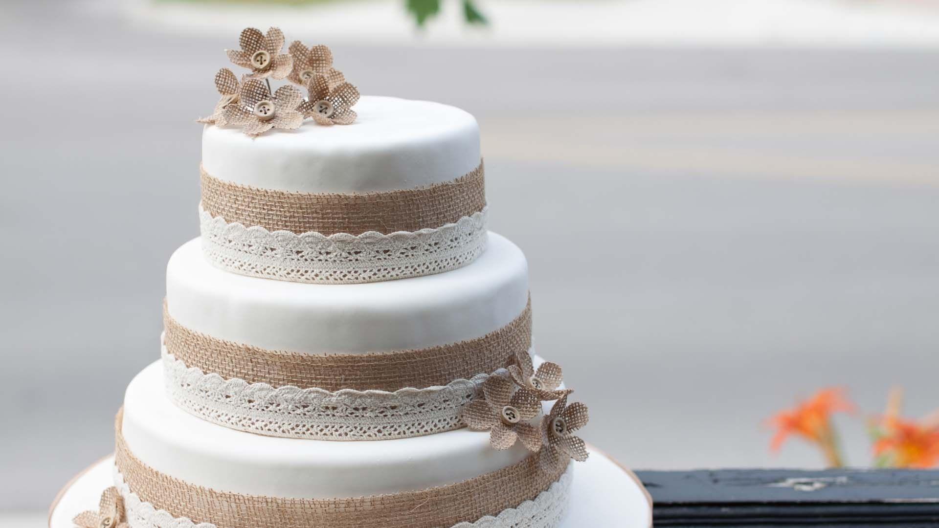 Wedding Cake Background