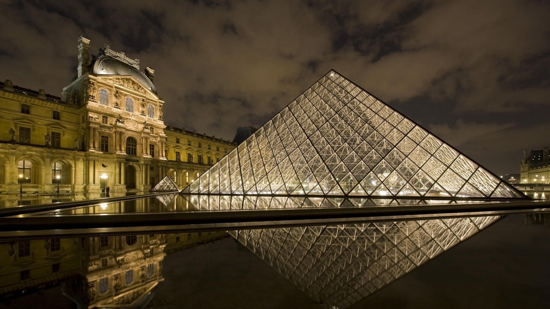 Louvre Museum windows wallpaper