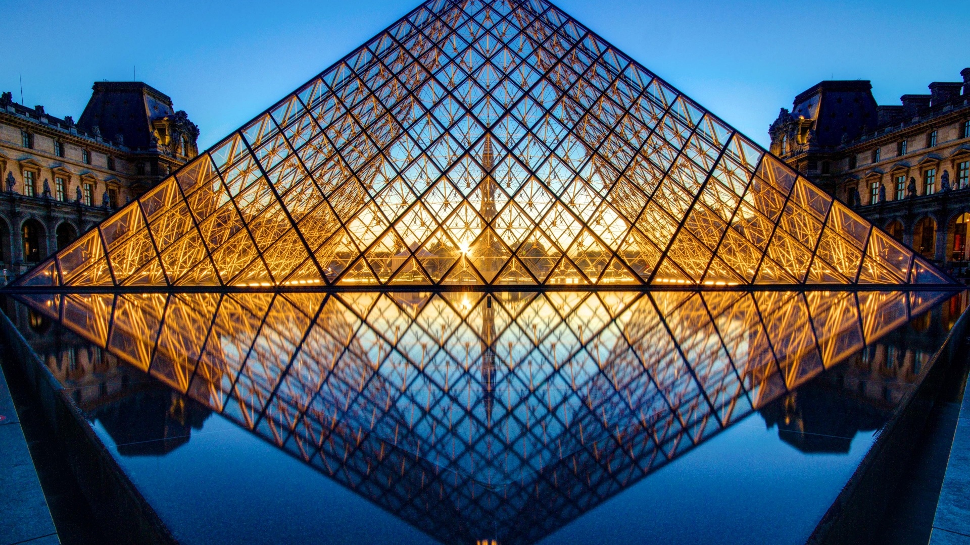 Louvre Museum wallpaper hd