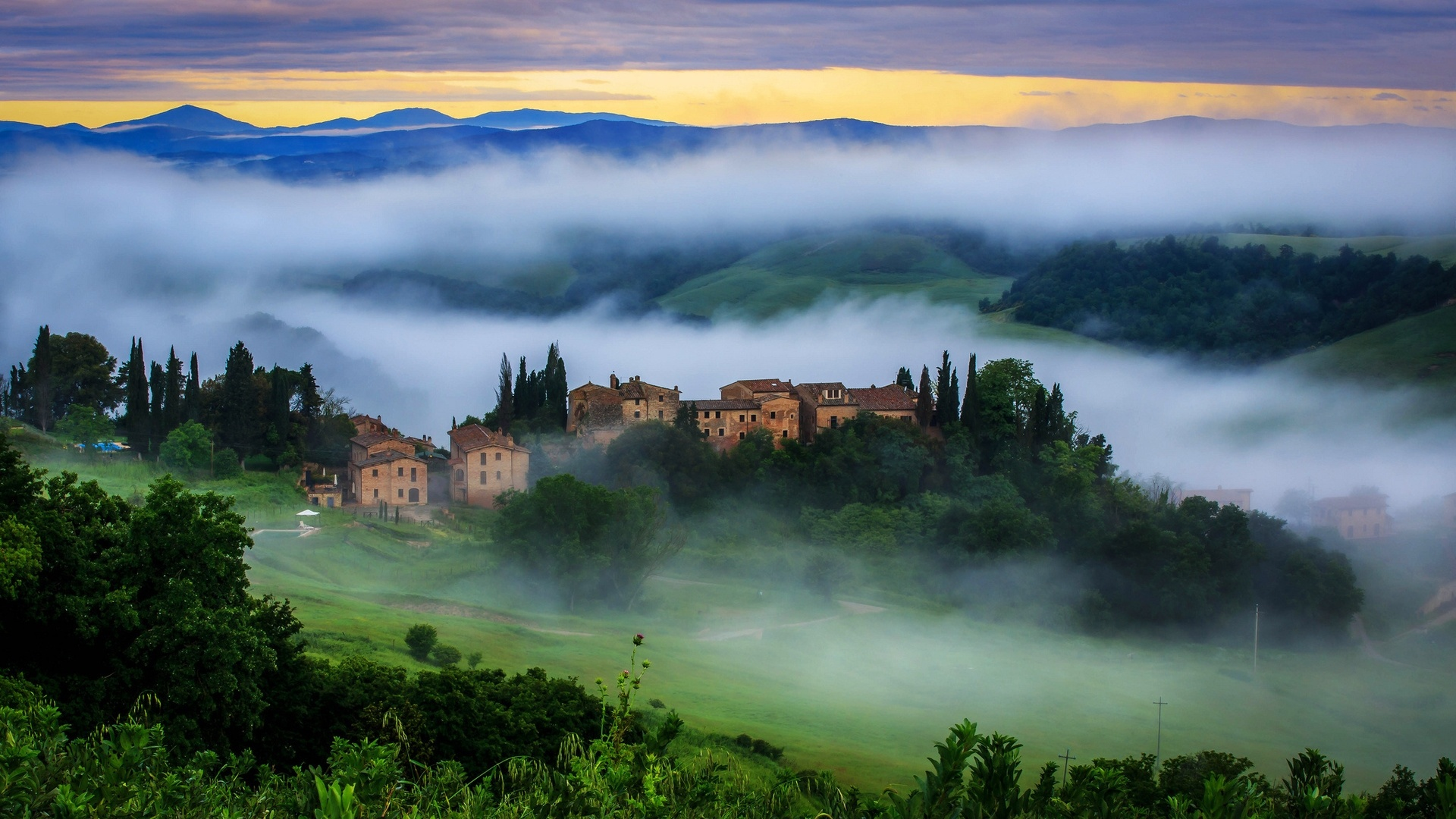 Tuscany free background