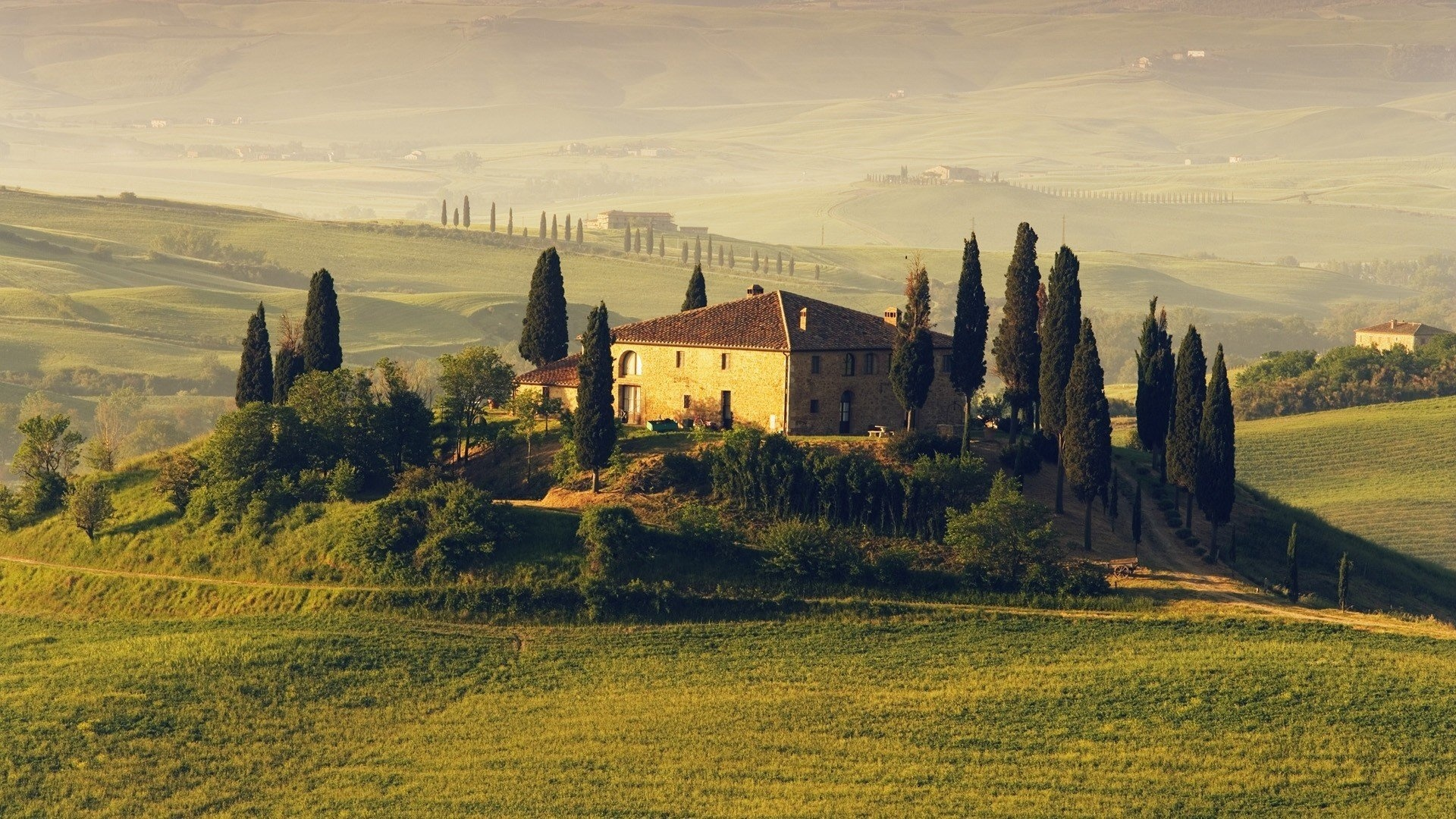 Tuscany desktop background