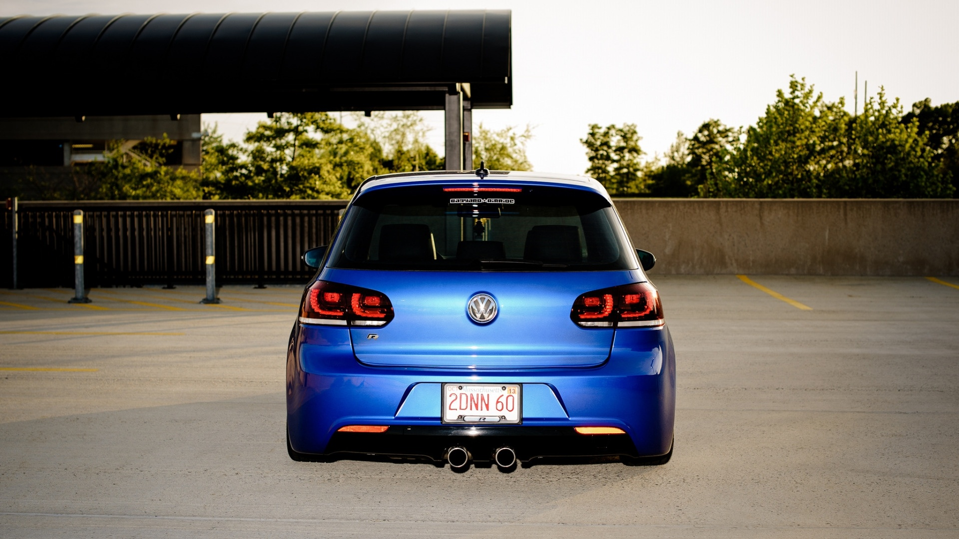 Golf R free picture