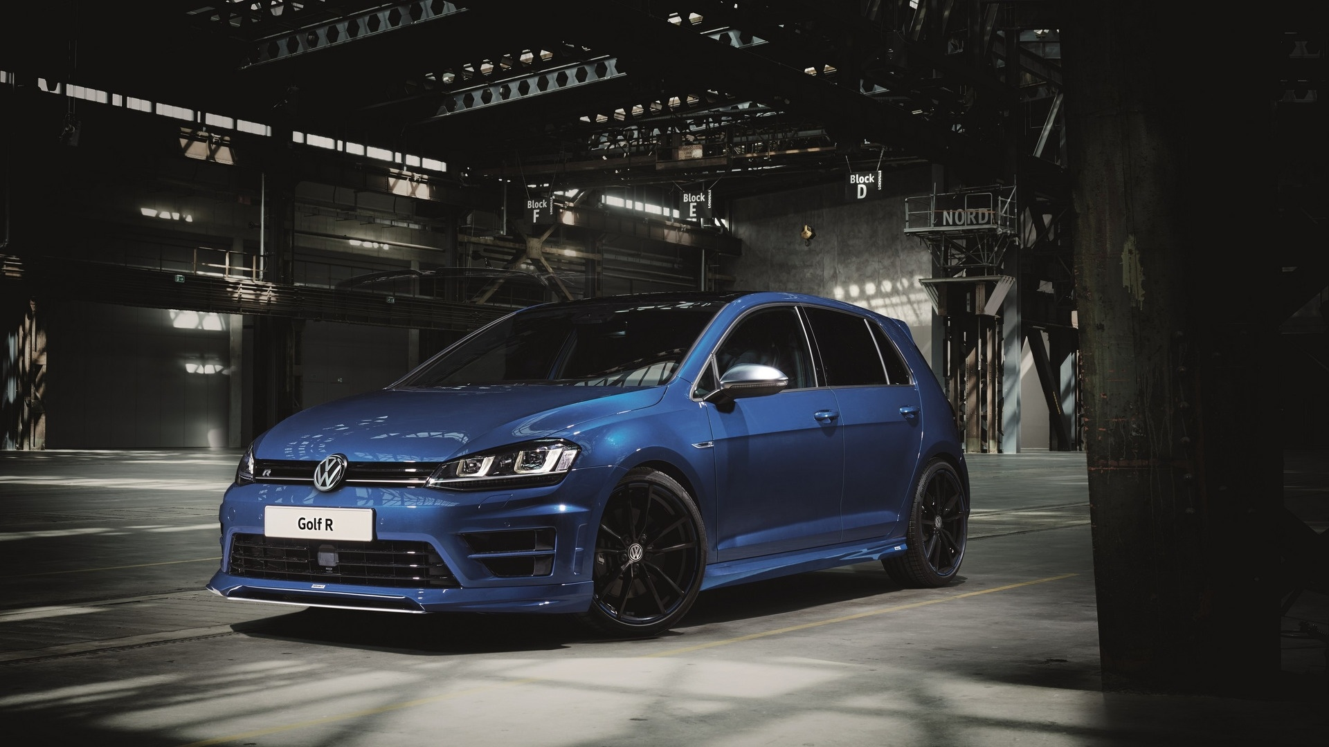 Golf R best picture